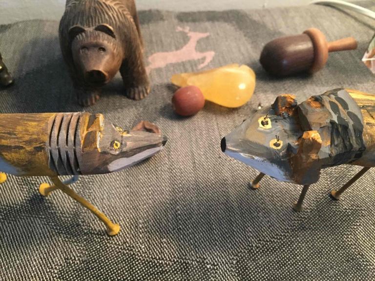 Wölfe aus Lindenholz
